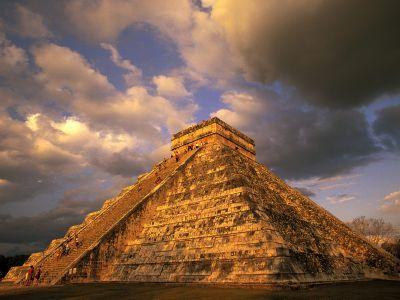 Ancient_mayan_ruins,_chichen_itza,_mexico