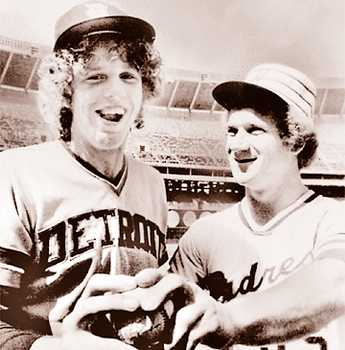 Fidrych-and-randy-jones-of-the-san-diego-padres-starting-pitchers-in-the-1976-all-star-game-pose-during-workouts