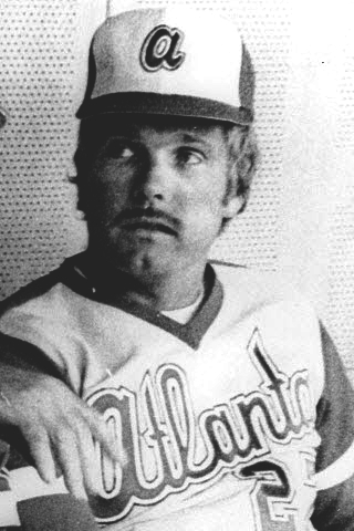 Ted_E._Turner_(1977_Braves_manager)_6